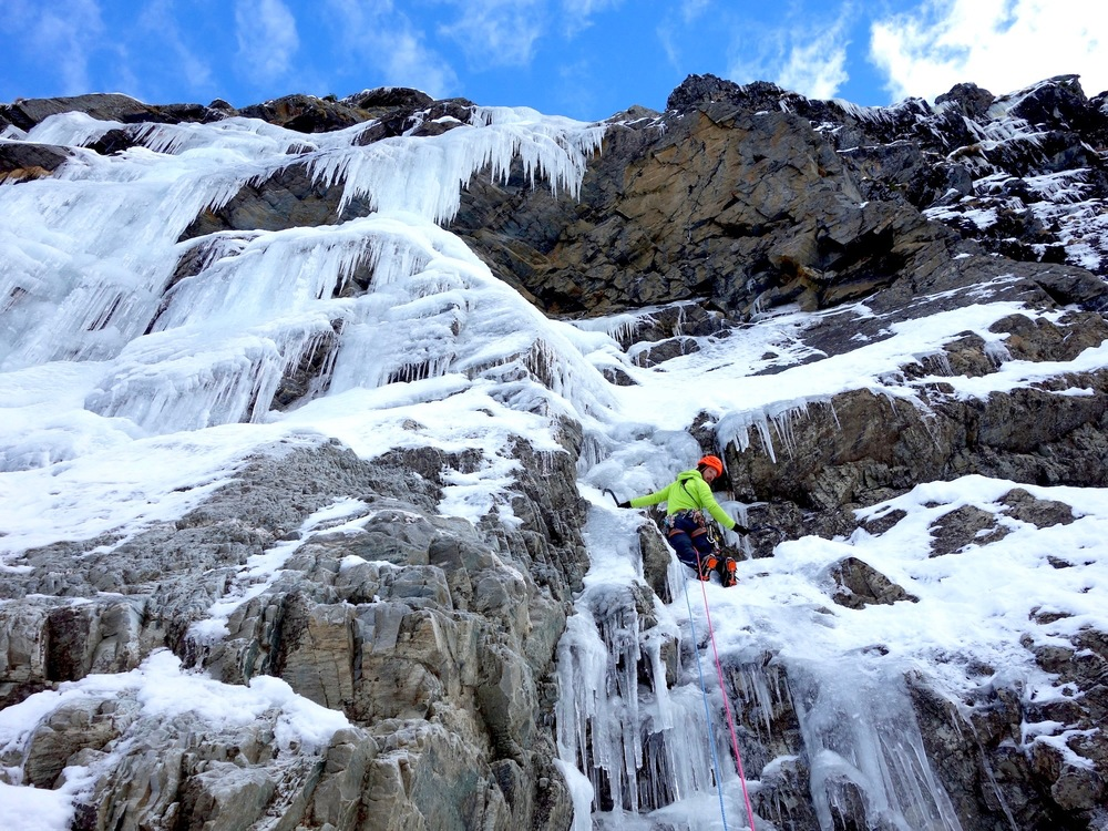 cogne ice climbing guide book